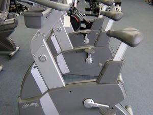 Life Fitness 95 Series Upright Bike